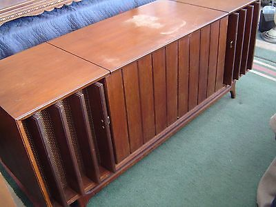 ZENITH STEREO RADIO Record Player Console Mid Century LOCAL PU ONLY WARREN,  MI