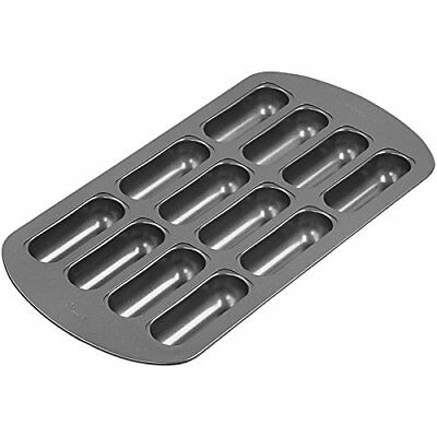 Wilton Non-Stick 12-Cavity Delectovals Cake Pan Muffin Pans, New