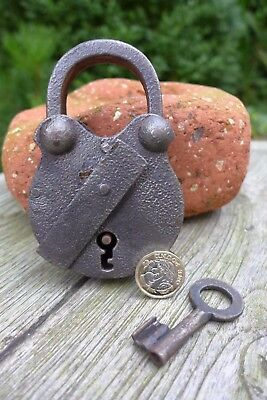 Antique vintage padlock with one key, working order, collector, hobby 25-05