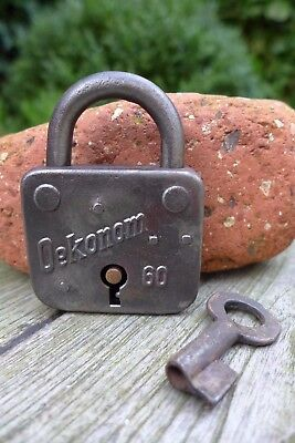 Antique vintage padlock with one key, working order, collector, hobby 25-08