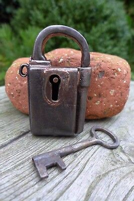 Antique vintage padlock with one key, working order, collector, hobby 25-15