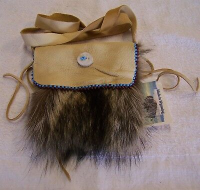 Hand Made Beaded Raccoon Fur Pouch Rendezvous Black Powder Mountain Man 6