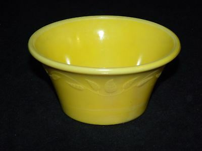 Akro Agate 323 Yellow Pot Bowl With Vines And Leaves