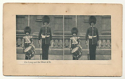 England Soldaten The Long and the Short of it - Stereokarte Druck um 1910