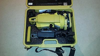 Topcon GPT 2005 reflectorless Total Station