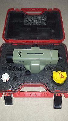 Leica  NA2 wild heerbrugg automatic precise level.Top condition.Calibrated