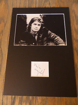 MIKE OLDFIELD signed Autogramm in 20x30 cm Passepartout InPerson LOOK