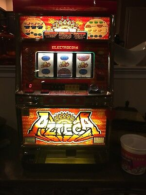 Azteca Token Slot Machine W/ Key, Tokens, Manual