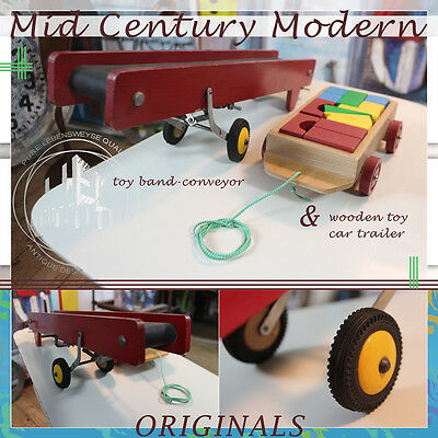 Two Wooden Toys Vintage Mid Century Modern Band Conveyor & Car Trailer Spielzeug