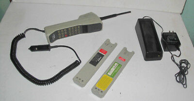 Vintage Motorola Ultra Classic US West Cellular Classic Brick Cell Phone Working