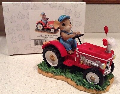 You Make My Heart Putter Charming Tails Figurine Mouse Farmer NEW Love Romance