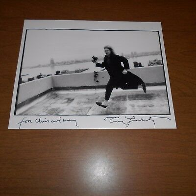 Annie Leibovitz is an American portrait photographer Hand Signed Photo