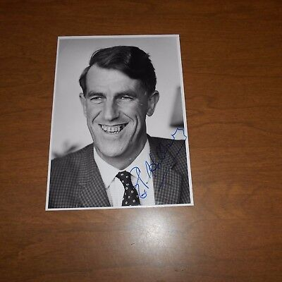 Ed Hillary  was a mountaineer, explorer, and philanthropis Hand Signed Photo