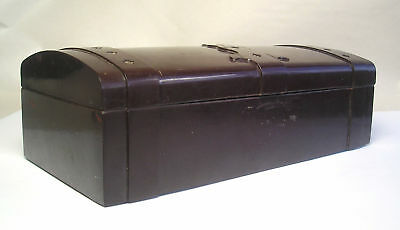 An Antique Mid 20th Century Early Plastic Box Z28