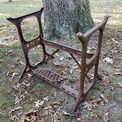 Vintage Singer Steampunk Sewing Machine Cast Iron Base Table Legs Industrial W@w
