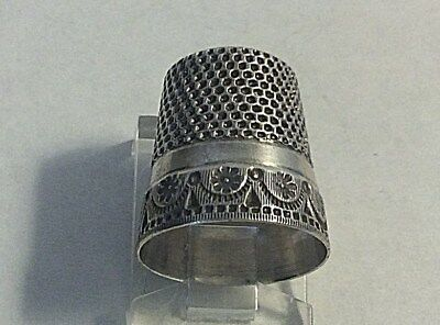 Antique Stern Bros. Sterling Silver Garland Small Flowers Thimble Sewing Sz 7