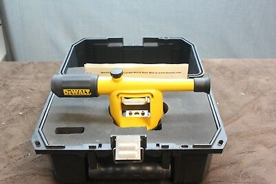 DeWalt DW090K 20x Builders Level with case and plumb bob, very good condition