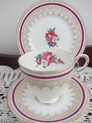 Vintage - Paragon  ''stratford''  - Cup / Saucer / Plate Trio