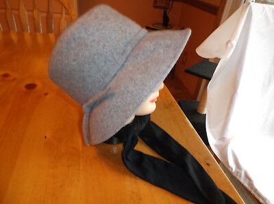 Ladies Hat W/Attached Scarf,100% Wool,One Size,Scarf Black & Hat Gray,Nice!