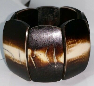 Vintage 1970s chunky heavy wooden stretch bangle.  Costume jewellery. 90g!
