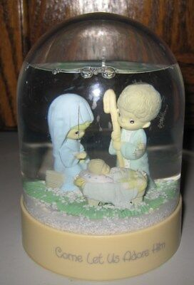 1986 Precious Moments Come Let Us Adore HIm Nativity  Snow Globe VGC Waterball