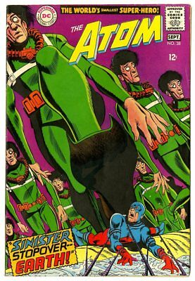 Atom #38 VF+ 8.5 white pages  DC  1968  No Reserve