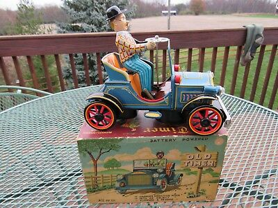 Rare Vintage Old Timer Car Battery Operated Tin Toy Works Great Antique Tin Toy