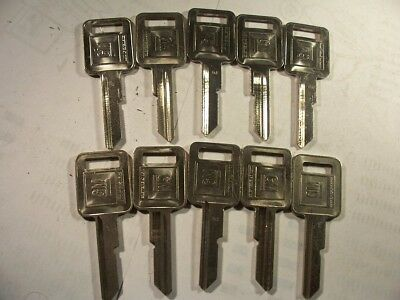 10 Keys  Gm  Nos Genuine   E   Briggs & Stratton   Key Blank   Uncut