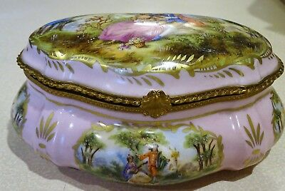 Antique French Sevres Hand-Painted Casket Jewelry Box c. 1747-1753 Artist signed