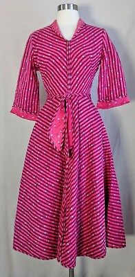 vintage 1940's/50's Quilted Dressing Gown, XS