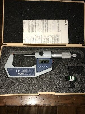 """Mitutoyo 293-722-30 Digital Micrometer 1-2""""  .00005""""  0.001 mm with Case"""