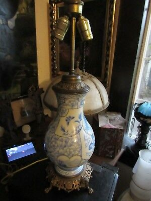 Antique Victorian Porcelain Chinoiserie Flow Blu And Brass Electric  Lamp Base