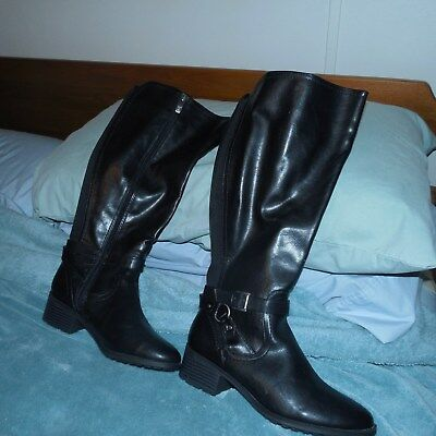Womens Black Boots bought at J C Penny, New No Tags size 7m $45.00