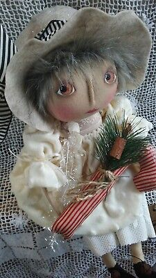 PriMitiVE FolKArT ChRistMAs Doll  ORNiE oOAK StOckINg HOliDaY