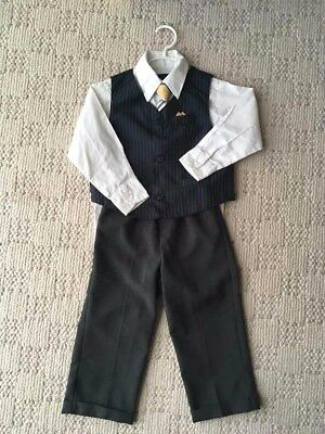 Boys 4 pc suit with vest and tie - size 3-4T