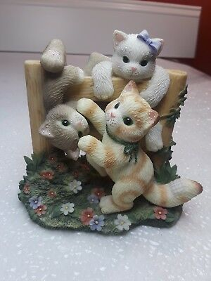 2000 Enesco CALICO KITTENS  Just Hangin Around