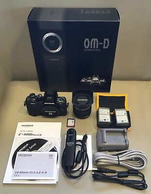 Olympus OM-D E-M10 Mark II + 14-42mm f/3.5-5.6 II R Bundle: Excellent Condition!