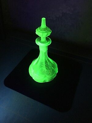 GLOWING Boston And Sandwich Antique Green Glass Perfume/cologne Bottle