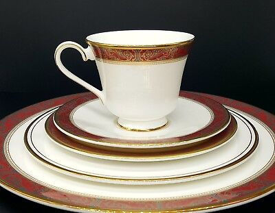 Royal Doulton Martinique 5 Pc Setting Dinner Salad Bread Plate Cup Saucer