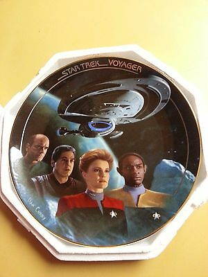"""The Hamilton Collection Star Trek Voyager """"The Voyage Begins""""  Plate 1996 -MIB-"""