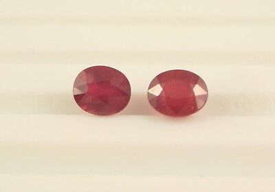 Coppia Rubini Vetro Piombo Ovali 6x4,5 mm circa 2,10 ct Oval Ruby Glass Filled