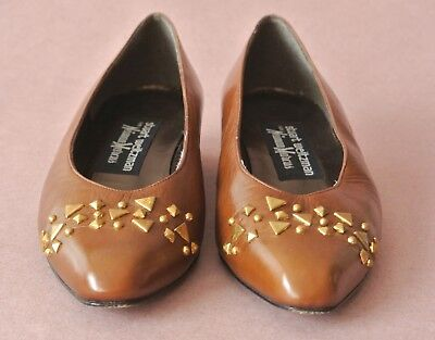 Women's Stuart Weitzman Shoes 1 Inch Heel Brown Size 5.5 B