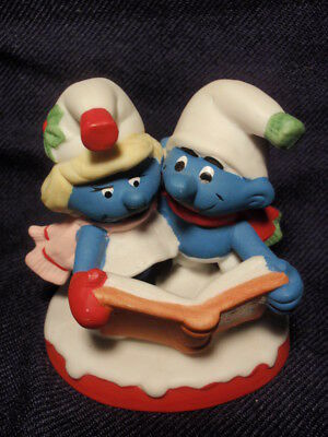 "Wallace Berrie Smurf Collectables ""Christmas Carolers"" Ceramic Figurine 1982"