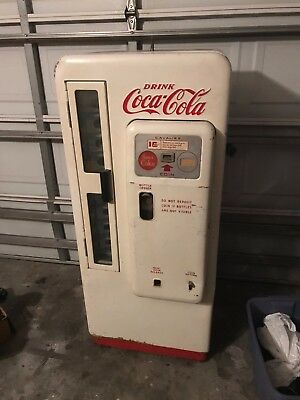 Coca Cola Machine Cavalier CS 72 B 1958/9 Original Unrestored Working Condition,