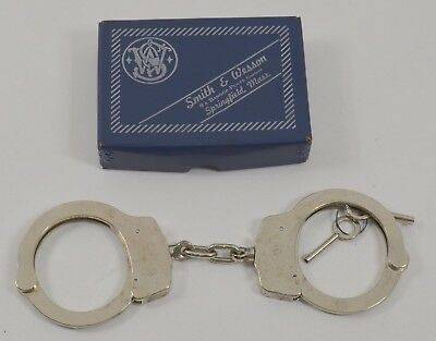 Smith & Wesson Model 90 Standard Nickel Handcuffs Push Pin Double Lock Vintage