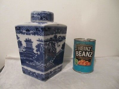 Maling Pottery Rington's Original Teacaddy Blue Willow Pattern