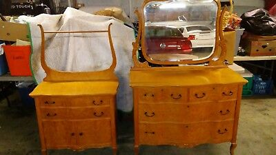 2 Pieces Spencer & Barnes Funiture Birds Eye Maple Dresser Mirror Vanity