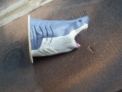 1/18 great white shark doll house mounted head