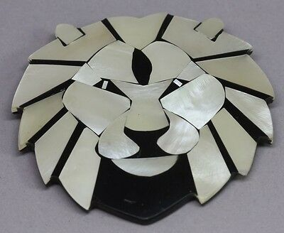 Signed LEE SANDS Mother of Pearl & Black Faux Onyx Inlay LION Brooch Pin BR241
