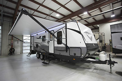 Unbeatable Savings 2018 Launch Outfitter 24Bhs Travel Trailer Rear Bath Camper